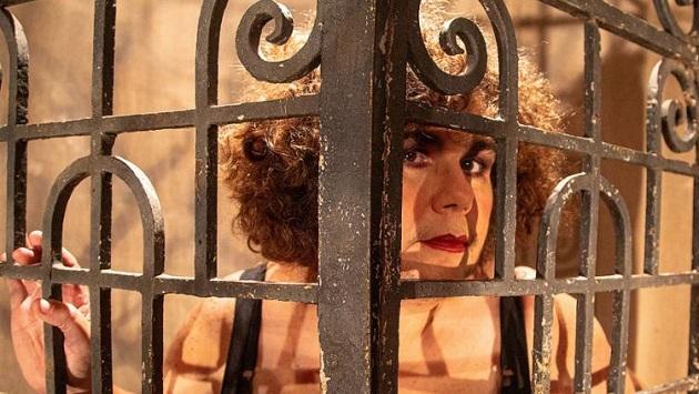 """Atriz Zeca de Abreu celebra 30 anos de carreira com espetáculo """"A Filha da Monga"""" - Foto: Gabrielle Guido"""