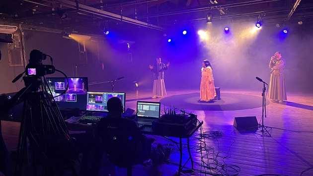 """Espetáculo """"O Beijo no Asfalto"""" ganha versão teatral baiana no YouTube"""